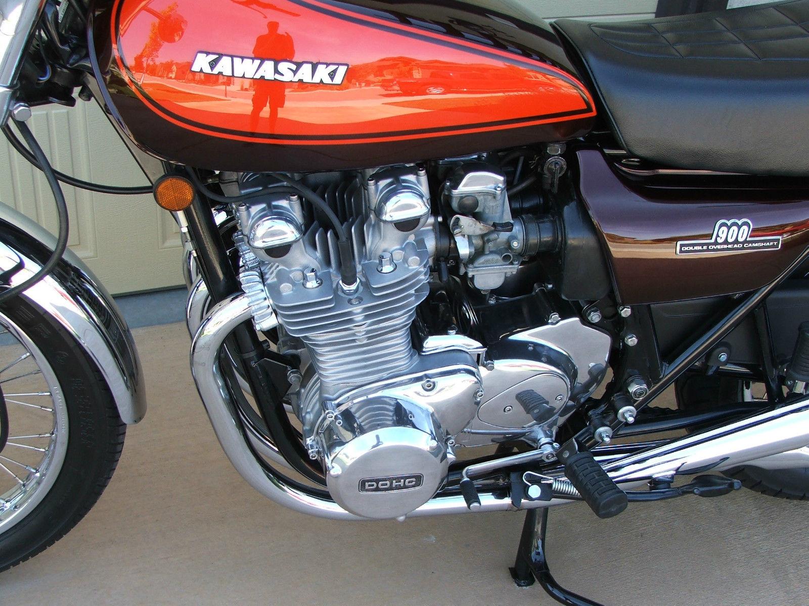 Kawasaki KZ900 - 1976 .