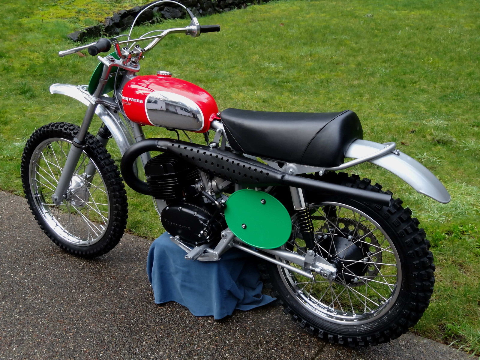 restored husqvarna 250 cross 1969 photographs at classic. Black Bedroom Furniture Sets. Home Design Ideas