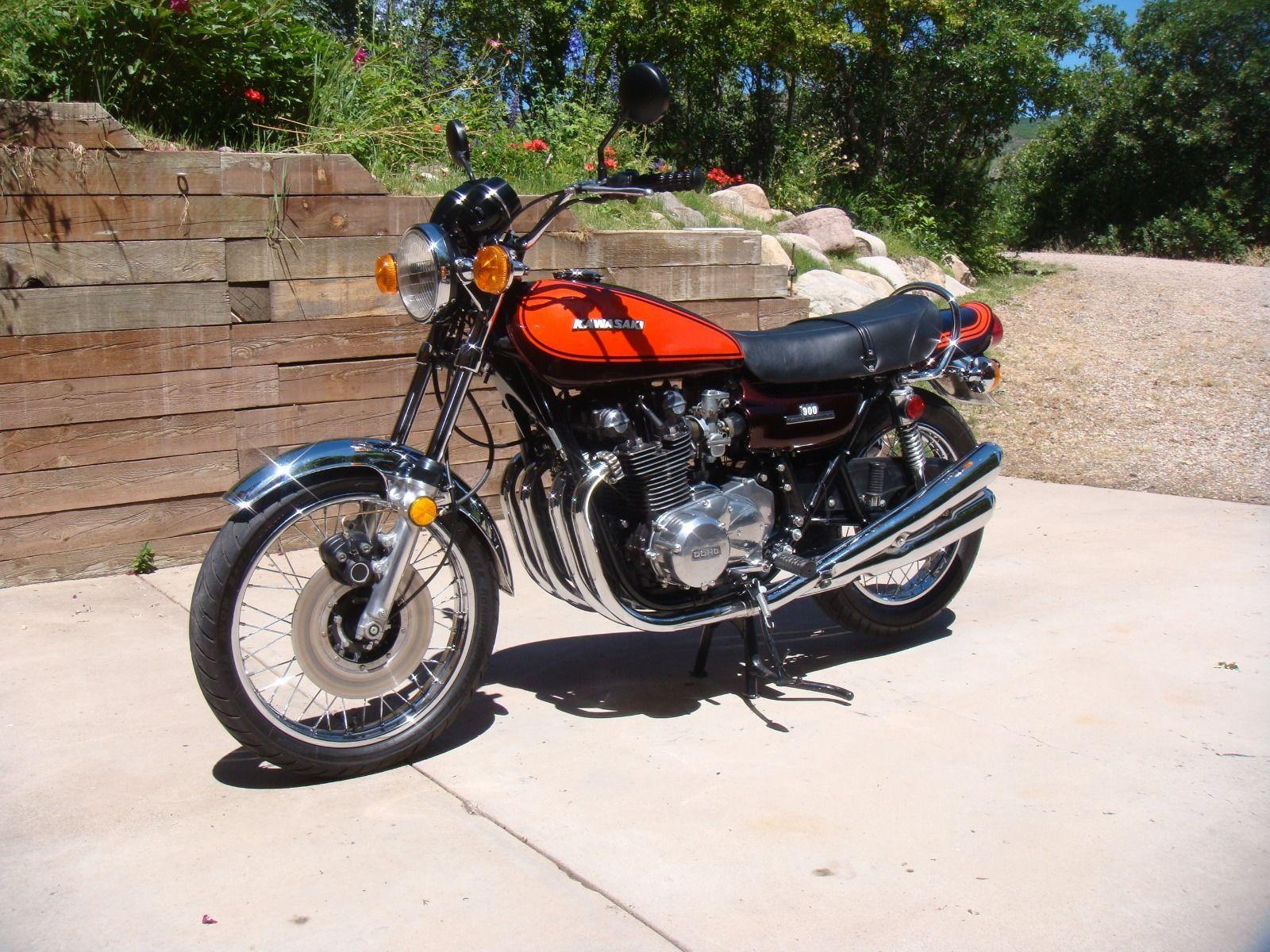 Kawasaki Z1 - 1973 .