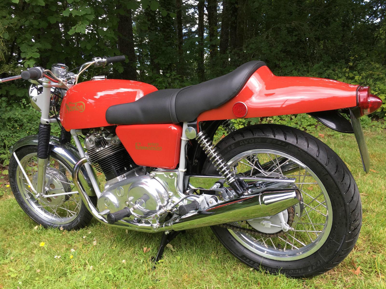 Norton Commando Fastback - 1972