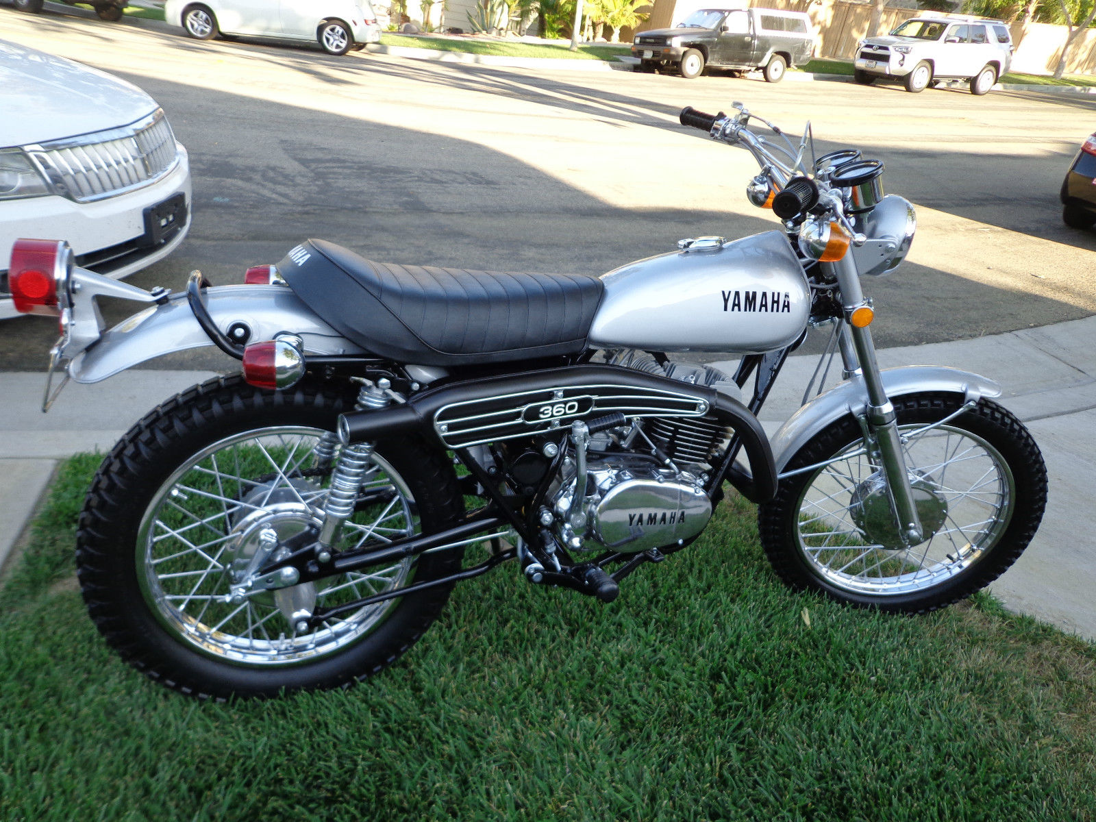 restored yamaha rt2 360 enduro 1972 photographs at classic bikes restored bikes restored. Black Bedroom Furniture Sets. Home Design Ideas