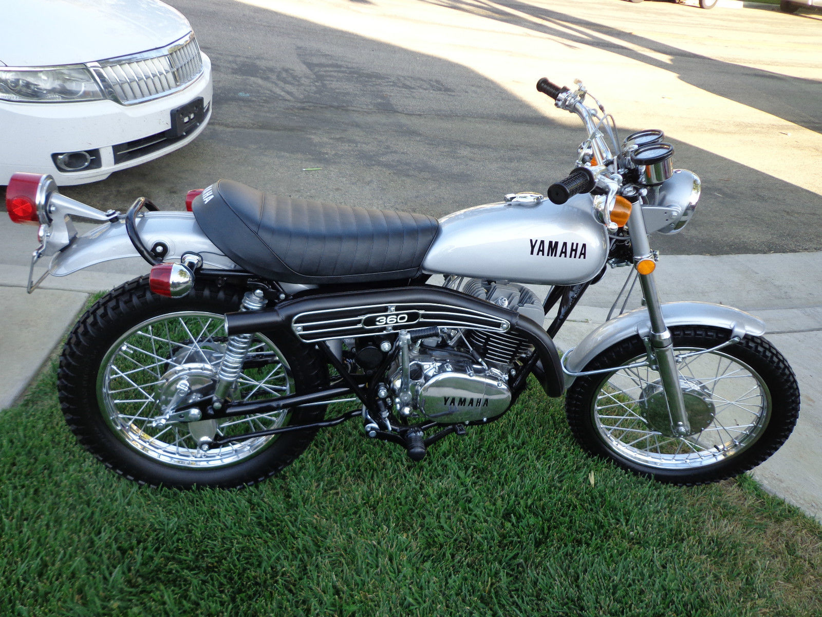 Restored yamaha rt2 360 enduro 1972 photographs at for Yamaha motorcycle parts online