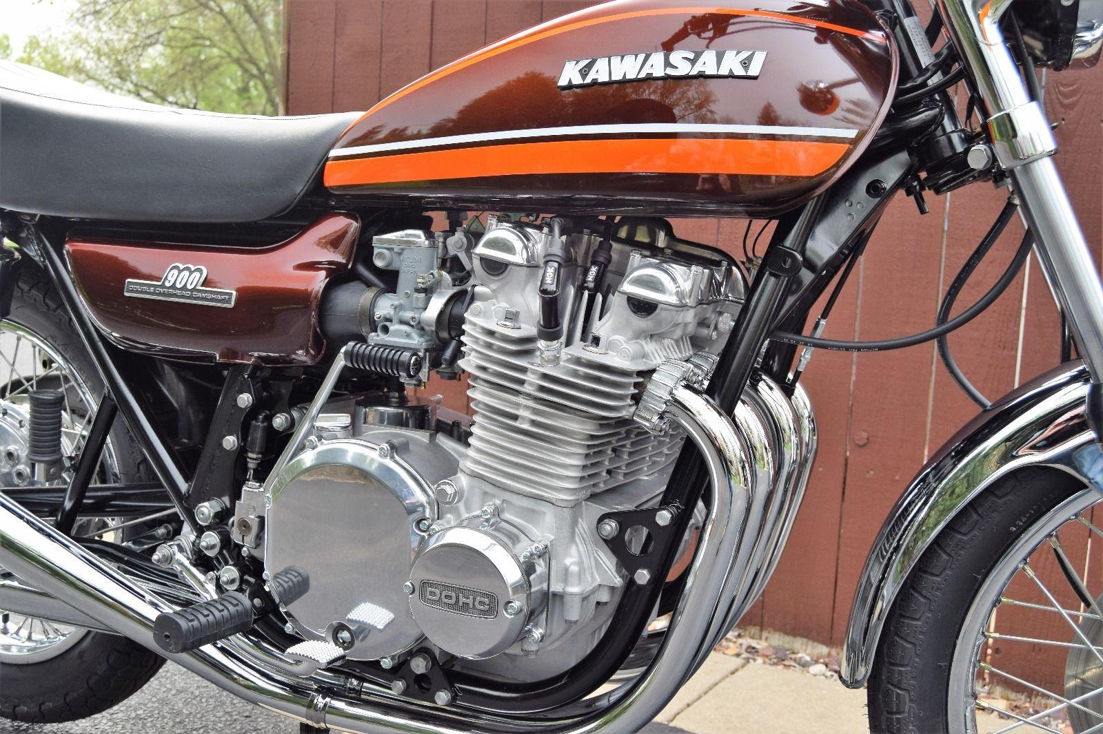 Kawasaki Z1 - 1974 .