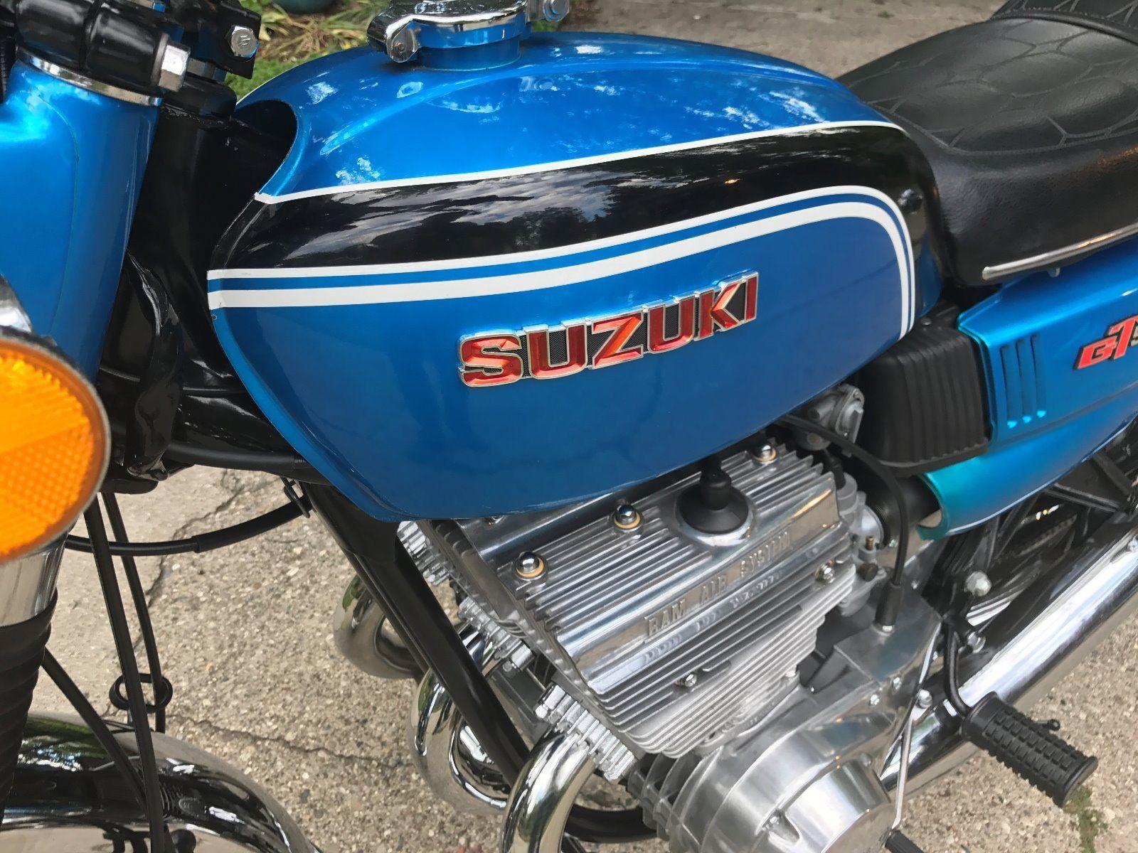 Suzuki GT550J - 1972